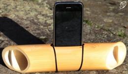 Bambusový akustický zesilovač na telefon