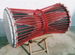 Dvouhlavý basový buben 2